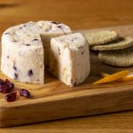 Hartington_Pebble_Orange_Cranberry_01_C_Peakland_White_Cheese