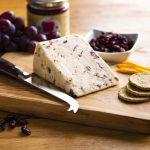 hartington_wedge_orange_cranberry_02_cheese