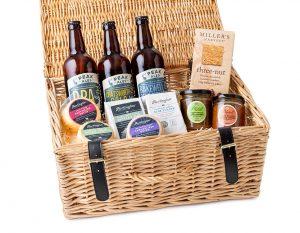 Derbyshire Ale & Cheese Connoisseur Hamper